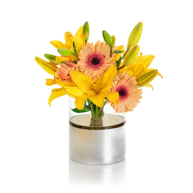 دسته گل ارزان برای هدیه از نمای جلو ، گل آرایی شده با گلهای شاخه بریده