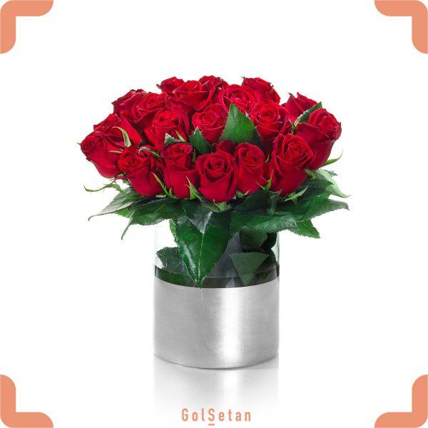 دسته گل رز در گلدان