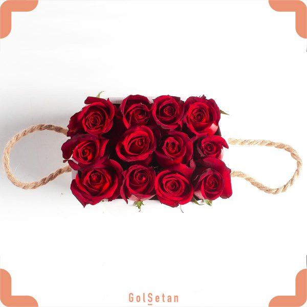 جعبه گل رز قرمز 12 شاخه