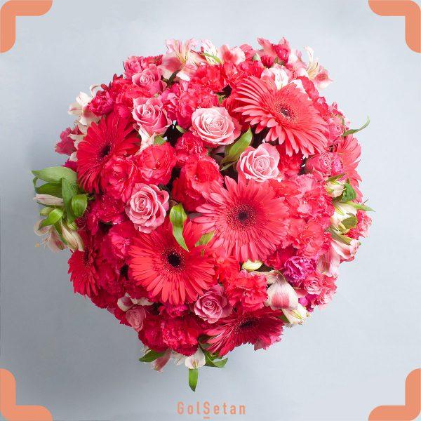 باکس گل ژربرا و رز مینیاتوری هدیه ای لاکچری