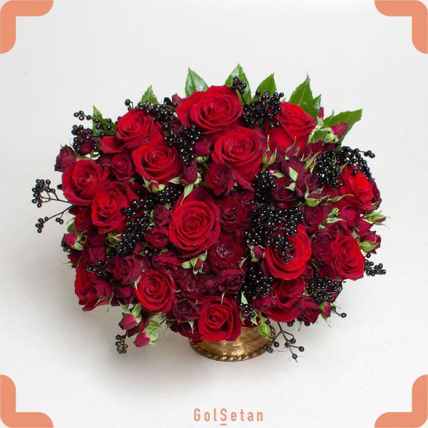 باکس گل رز زرشکی و قرمز سیه بیشه