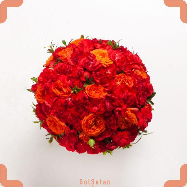 باکس گل رز و میخک هدیه ای رنگارنگ